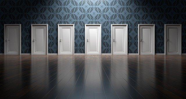 zasłona zamiast drzwi